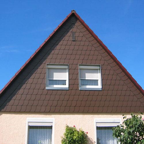 Giebelbekleidung mit Fassadenplatten erstellt von Dachdeckerei C. Voegeli