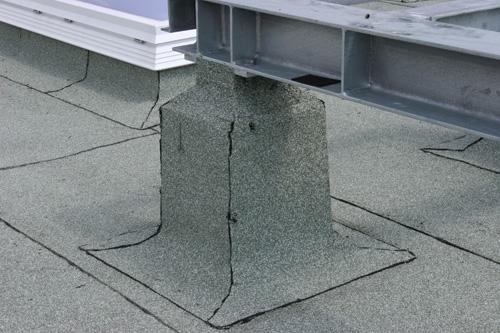 Flachdach mit Bitumenabdichtung von Dachdeckerei C. Voegeli